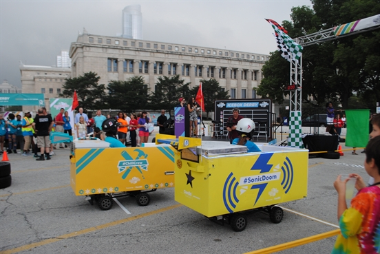 South Side Teens Participate in ComEd's 2016 STEM IceBox Derby, For Young Women Only!